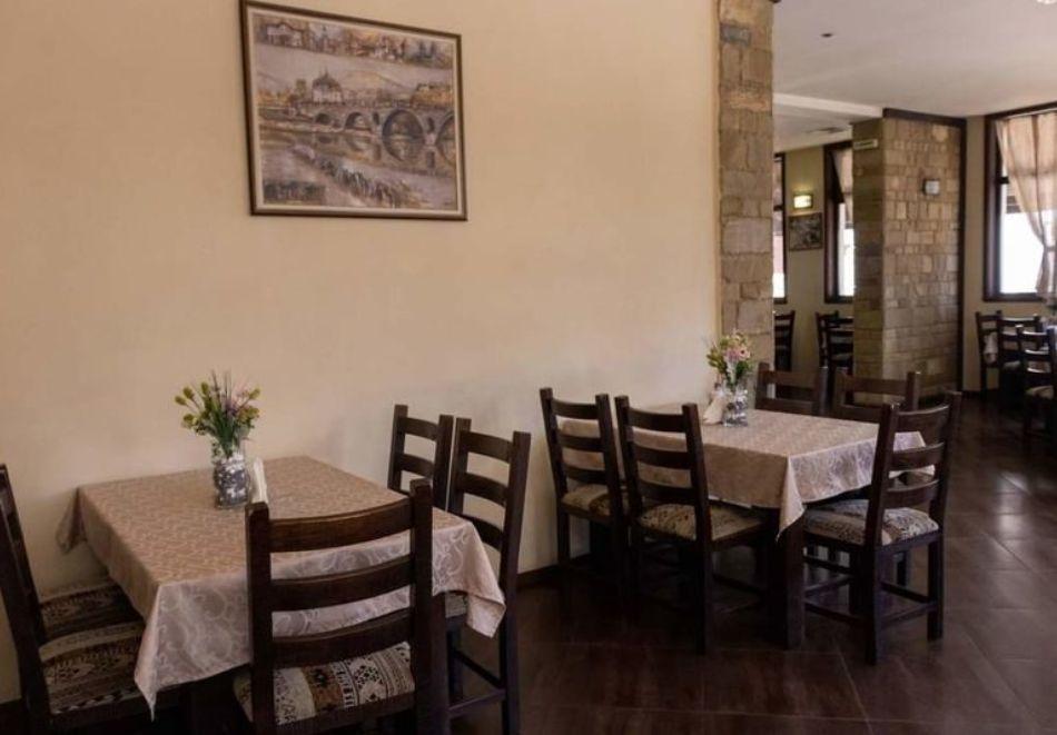 2 или 3 нощувки на човек със закуски и вечери от стаи за гости Антик**, Дряново, снимка 11