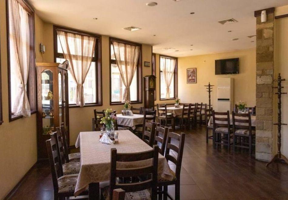 2 или 3 нощувки на човек със закуски и вечери от стаи за гости Антик**, Дряново, снимка 10