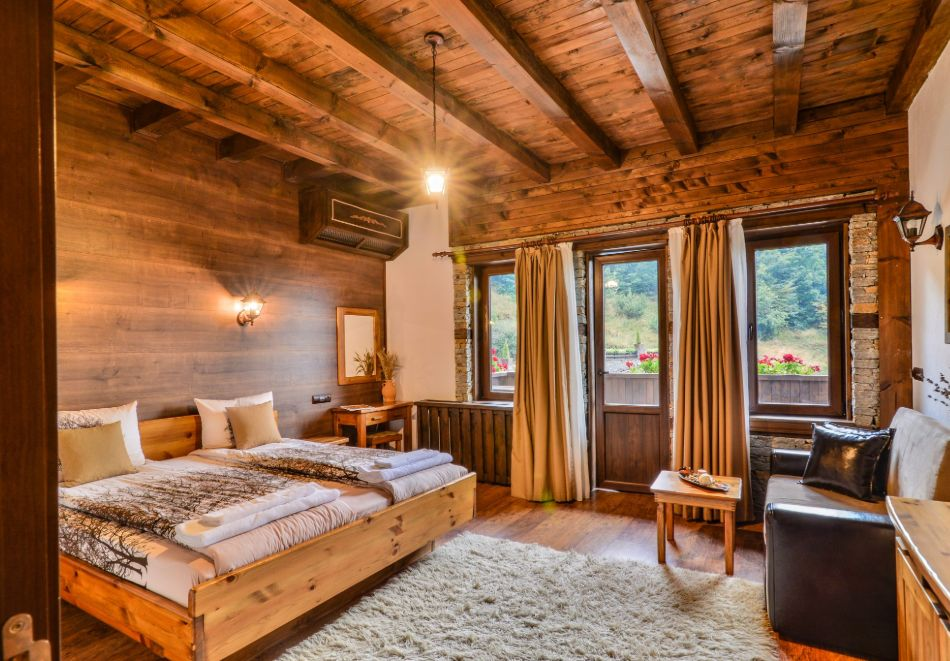 Почивка в Лещен! Нощувка на човек със закуска + релакс пакет от Къща за гости Родопски кът, снимка 13