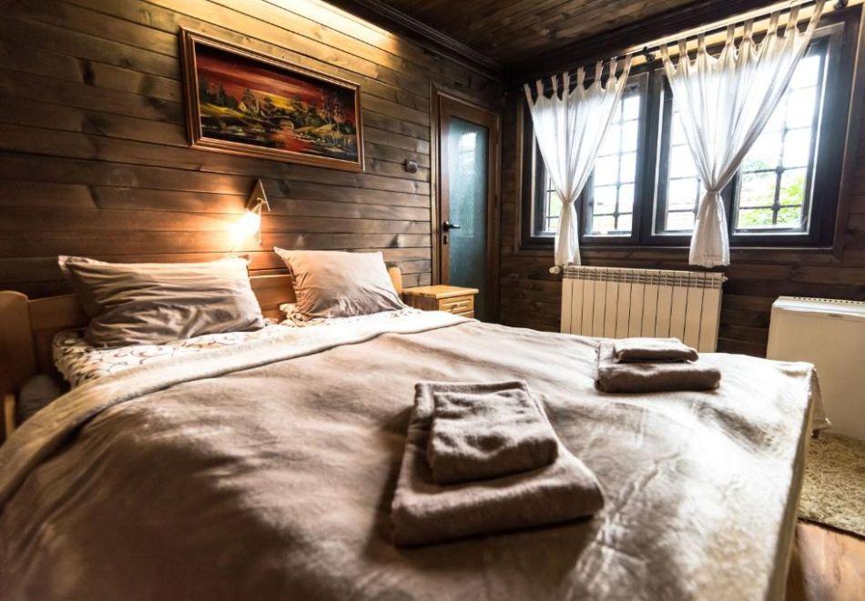 Уикенд в Банско! 1 или 2 нощувки на човек със закуски и вечери* в семеен хотел Златева къща, снимка 10