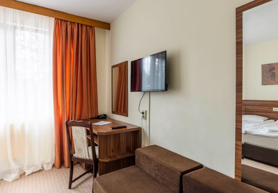 Две или три нощувки на човек със закуски + басейн и солна стая в хотел Елина***, Пампорово, снимка 13