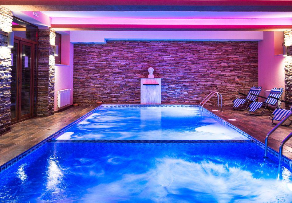 Две или три нощувки на човек със закуски + басейн и солна стая в хотел Елина***, Пампорово, снимка 4