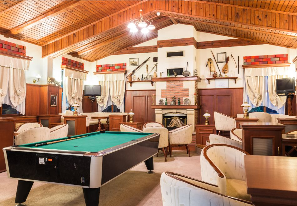 Две или три нощувки на човек със закуски + басейн и солна стая в хотел Елина***, Пампорово, снимка 16