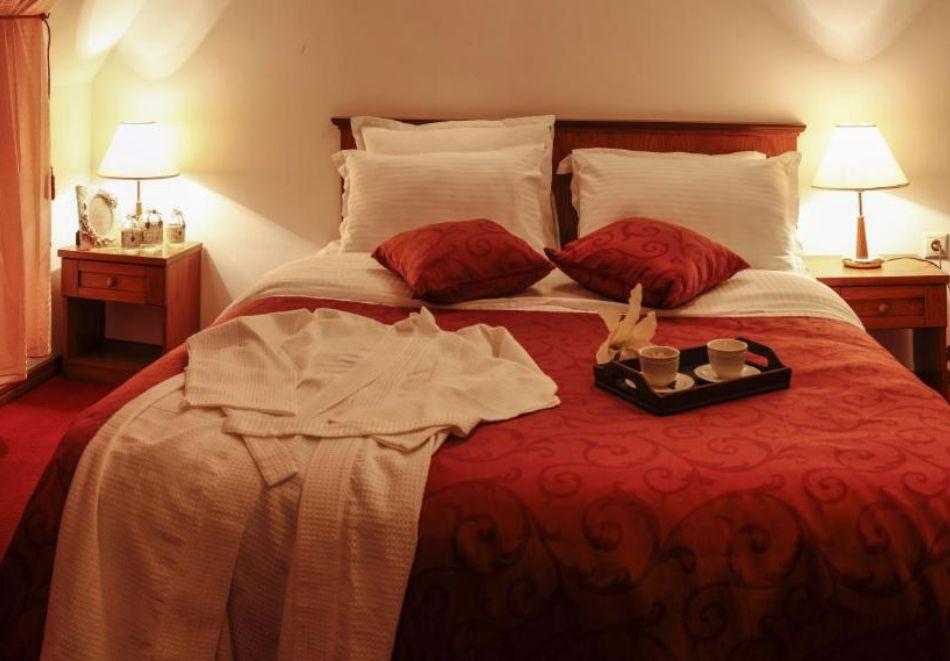 Нощувка на човек със закуска и вечеря + релакс пакет в Семеен хотел Маунтин Бутик, Девин, снимка 4