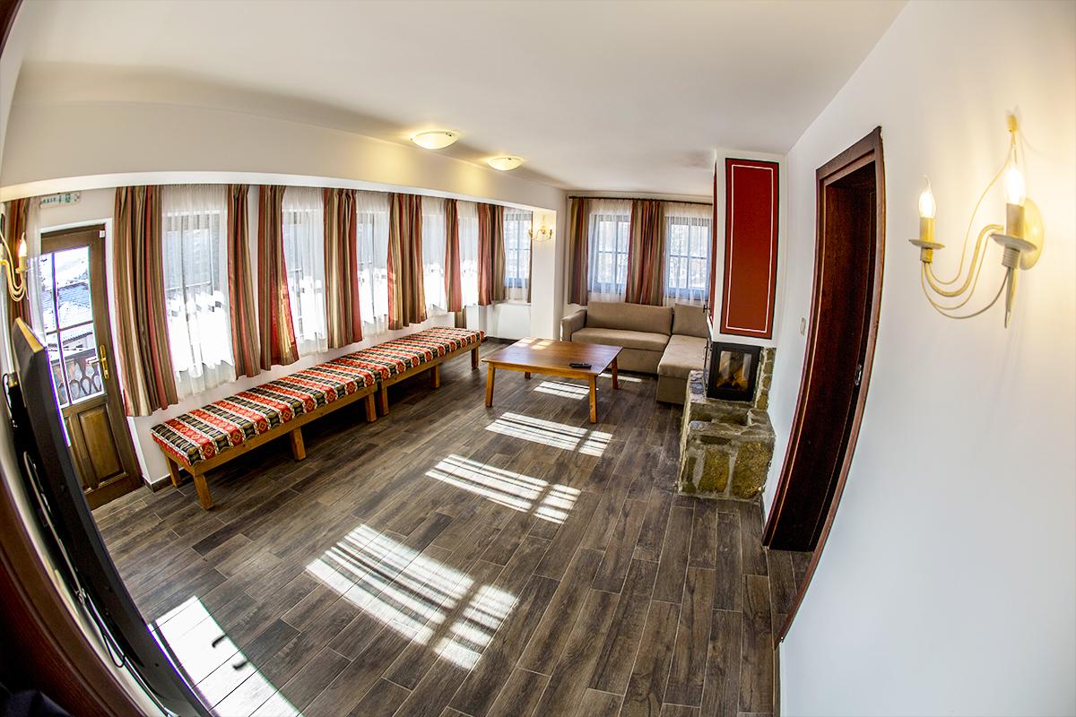 С компанията в Копривщица! Нощувка със закуска и вечеря в самостоятелна къща за 8 или 16 човека от комплекс Ред Хаус, снимка 9