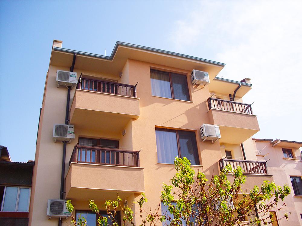3+ нощувки на човек в Семеен хотел Малибу, Черноморец, снимка 2