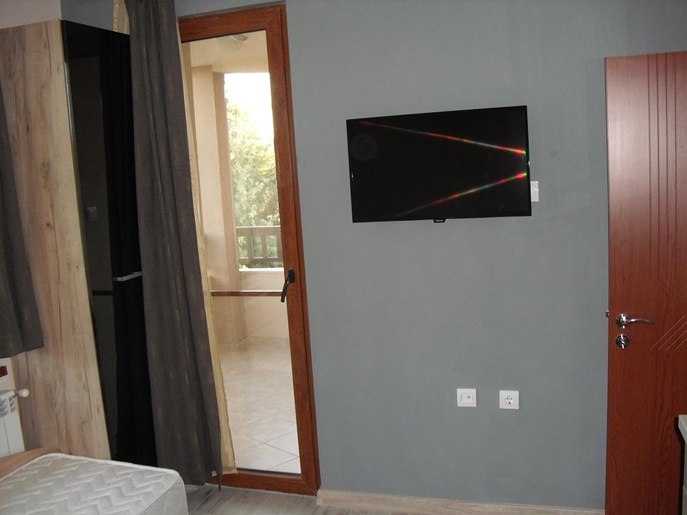 5 + нощувки на човек в Семеен хотел Малибу, Черноморец, снимка 4