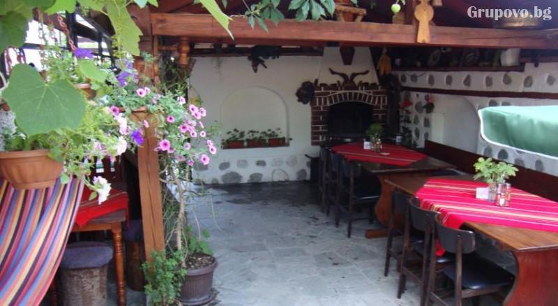 Нощувка на човек със закуска и вечеря в къща за гости Планински Здравец, Банско. Дете до 13г. - БЕЗПЛАТНО!, снимка 8