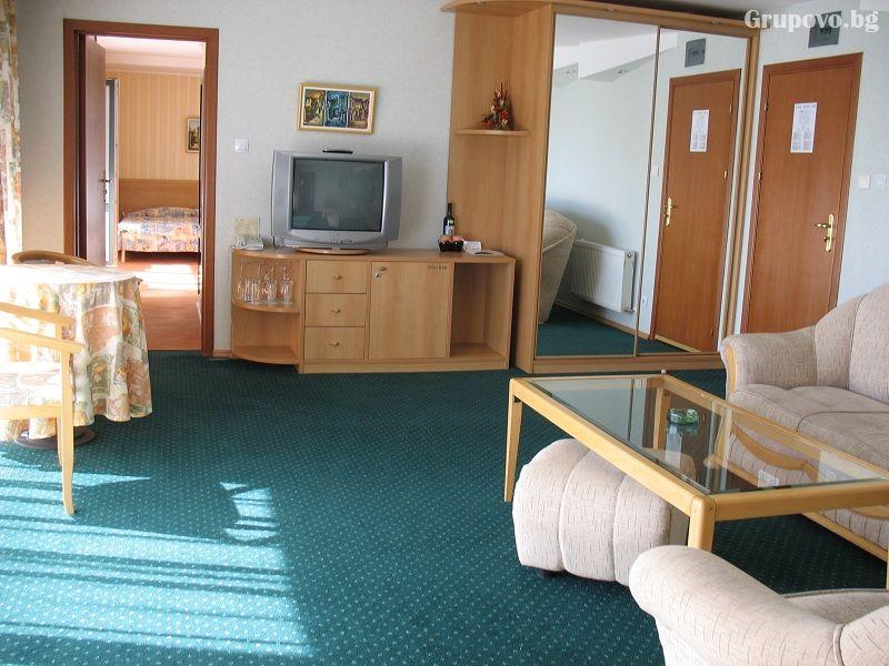 2 нощувки на човек със закуски и вечери + басейн и релакс зона от Гранд хотел Мургавец****, Пампорово, снимка 9