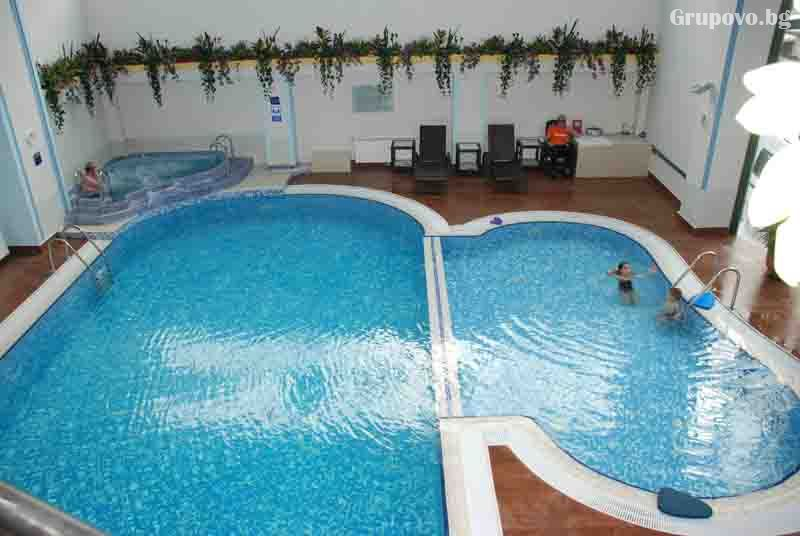 2 нощувки на човек със закуски и вечери + басейн и релакс зона от Гранд хотел Мургавец****, Пампорово, снимка 3