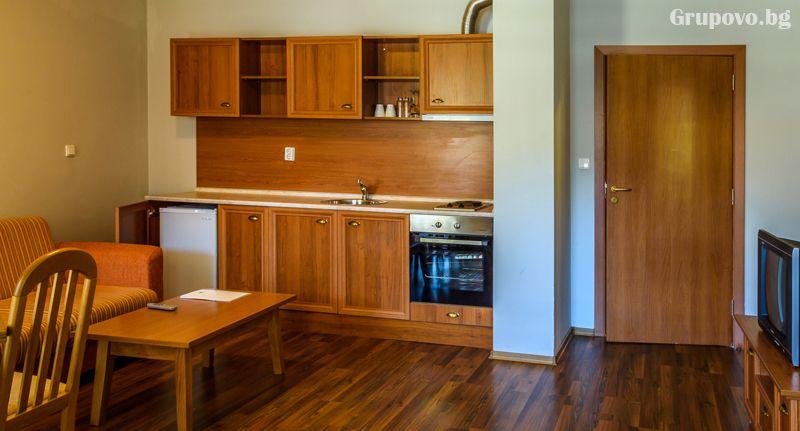 Нощувка на човек в едноспален апартамент със закуска + отопляем басей  и релакс зона в хотел Евъргрийн, Банско, снимка 10