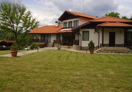 Хотел Балкан Парадайз, Априлци