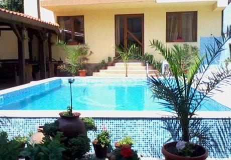 Семеен хотел Свети Никола, с. Баня