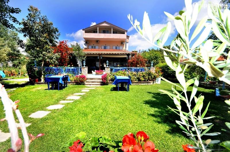 Хотел Angelos Garden, Торони