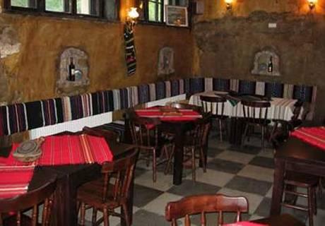 Великден в Свищов. 2 или 3 нощувки на човек със закуски и вечери + празничен обяд + горещо джакузи в комплекс Манастира, снимка 15