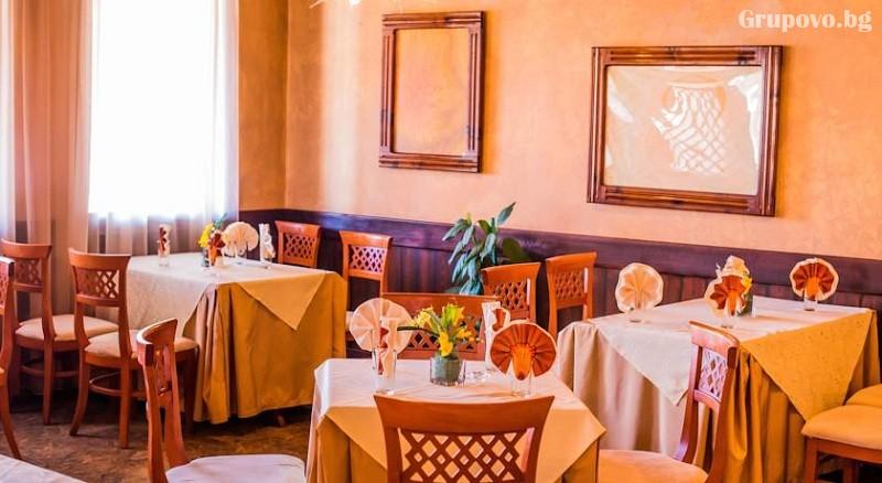Нощувка на човек със закуска или закуска и вечеря в Семеен Хотел Елеганс, Арбанаси, снимка 11