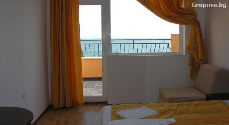 Лято 2021 на 40 метра от плажа в Равда! 5 или 7 нощувки на човек със закуски и вечери в хотел Германа Бийч, снимка 4