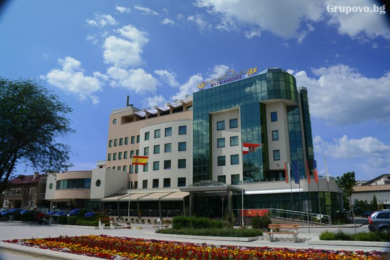 Хотел Дипломат плаза****, Луковит
