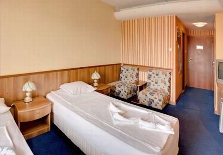 Гранд хотел Казанлък, снимка 3