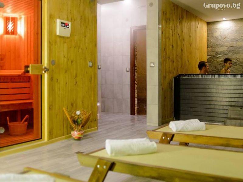 Нощувка на човек със закуска и вечеря + външен топъл минерален басейн и релакс зона от хотел Бохема***, Огняново, снимка 6