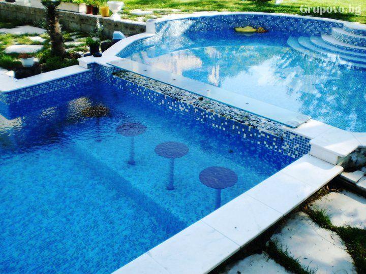 Нощувка на човек със закуска и вечеря + външен топъл минерален басейн и релакс зона от хотел Бохема***, Огняново, снимка 4