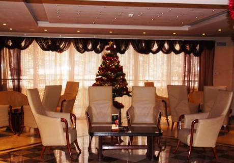 2 нощувки за ДВАМА със закуски и вечери в хотел Троян Плаза, Троян, снимка 8