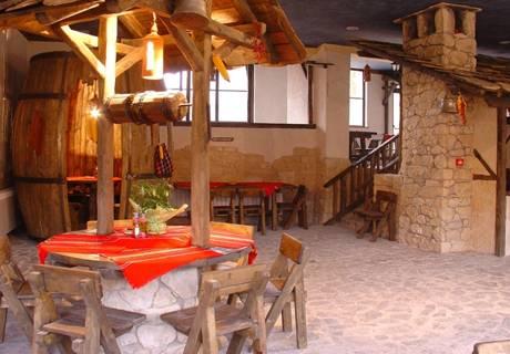 2 нощувки за ДВАМА със закуски и вечери в хотел Троян Плаза, Троян, снимка 6