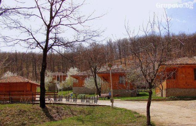 Релакс в Сливенския Балкан - Медвен! Нощувка, закуска и вечеря + басейн в Еко селище Синия Вир, снимка 6