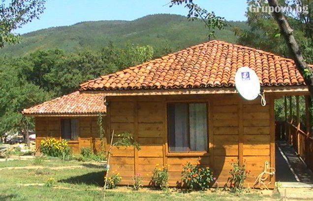 Релакс в Сливенския Балкан - Медвен! Нощувка, закуска и вечеря + басейн в Еко селище Синия Вир, снимка 4
