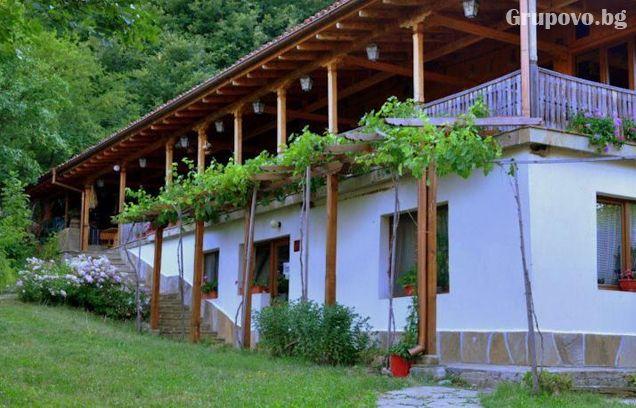 Релакс в Сливенския Балкан - Медвен! Нощувка, закуска и вечеря + басейн в Еко селище Синия Вир, снимка 9