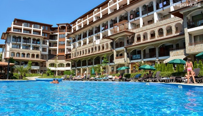 Нощувка на човек + ползване на басейн от Апарт хотел Олимп, Свети Влас, снимка 8