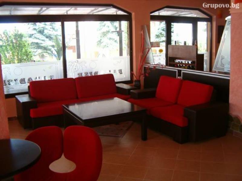 Лято 2021 в Равда само на 50 м. от плажа! Нощувка на човек на супер цена в хотел Мари, снимка 6