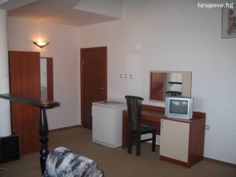 Хотел Мари, Равда, снимка 3