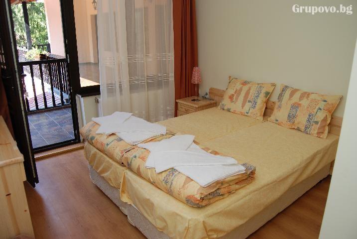 Наем на хотел за компания от 15 човека за 1 нощувка + басейн от Семеен хотел Илинден, Шипково до Троян, снимка 7