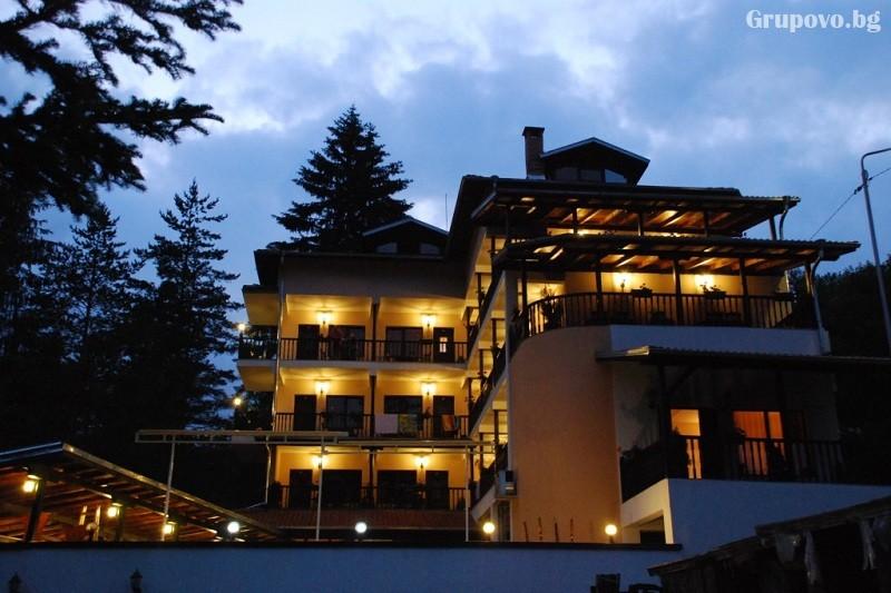 Наем на хотел за компания от 15 човека за 1 нощувка + басейн от Семеен хотел Илинден, Шипково до Троян, снимка 3