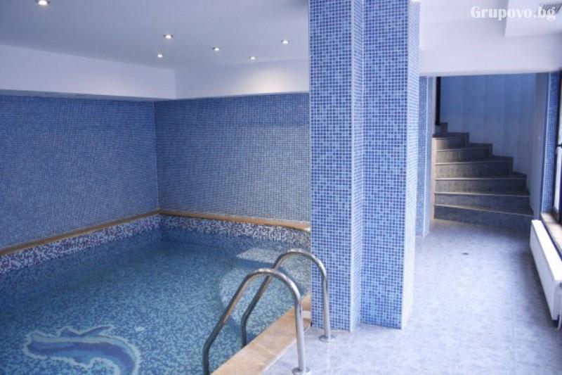 Наем на хотел за компания от 15 човека за 1 нощувка + басейн от Семеен хотел Илинден, Шипково до Троян, снимка 6