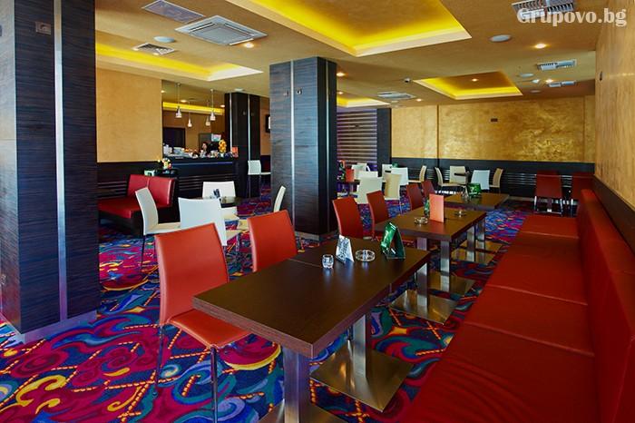 Нощувка за двама със закуска и вечеря в хотел Парадайс, Поморие. Две деца до 11.99 - БЕЗПЛАТНО!, снимка 4