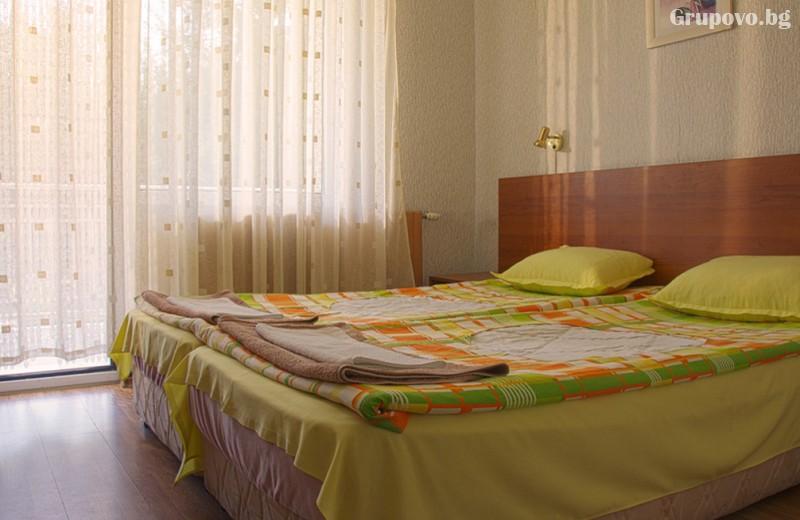 През Май и Юни във Велинград. Нощувка на човек със закуска и вечеря* в хотел Зора, снимка 14