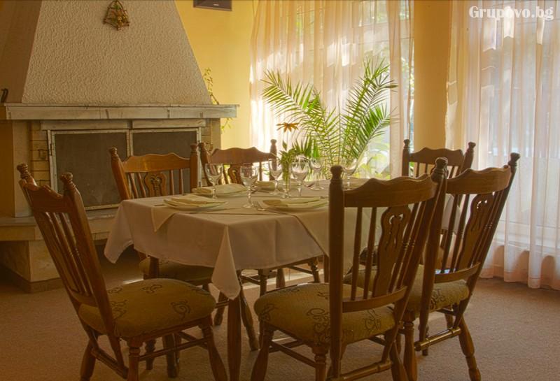 През Май и Юни във Велинград. Нощувка на човек със закуска и вечеря* в хотел Зора, снимка 13