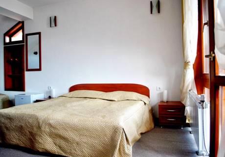 Нощувка на човек със закуска и вечеря* в хотел Дафи, Смолян., снимка 4