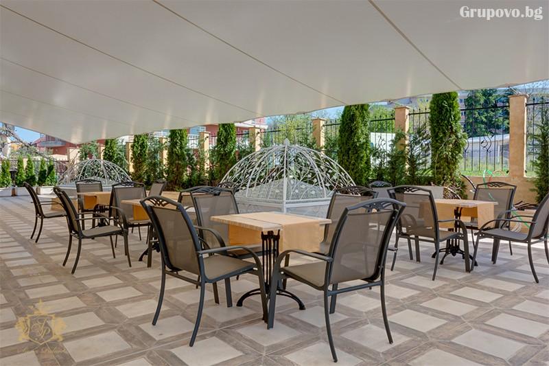 Нощувка на човек със закуска и вечеря + басейн и СПА зона от хотел Сиена палас****, Приморско, снимка 12
