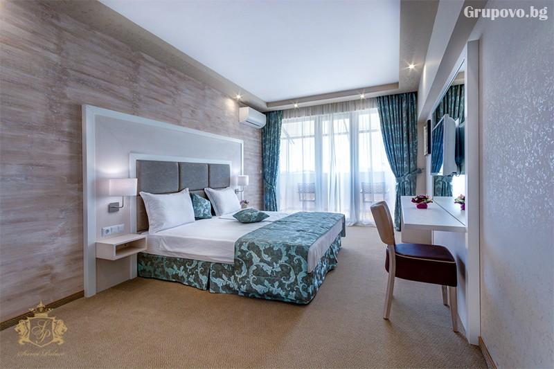 Нощувка на човек със закуска и вечеря + басейн и СПА зона от хотел Сиена палас****, Приморско, снимка 4