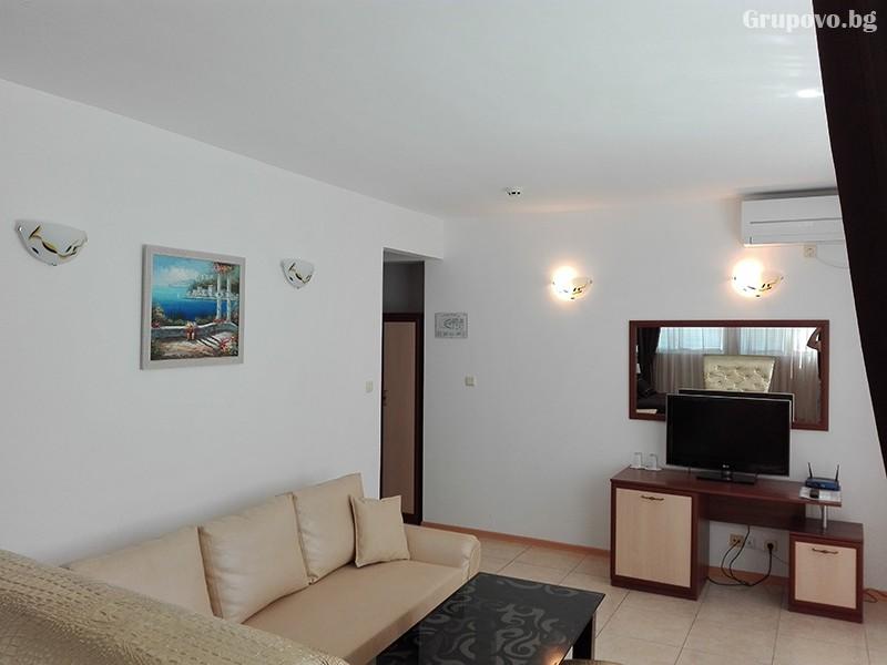 Семеен хотел Ренесанс - Кораба, Равда, снимка 8
