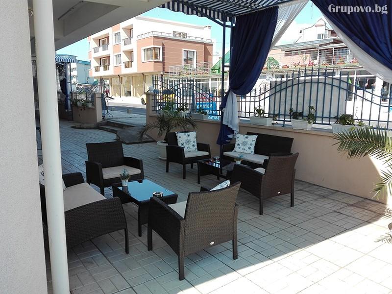 Семеен хотел Ренесанс - Кораба, Равда, снимка 4
