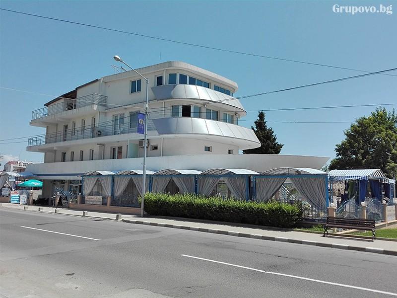 Семеен хотел Ренесанс - Кораба, Равда, снимка 11