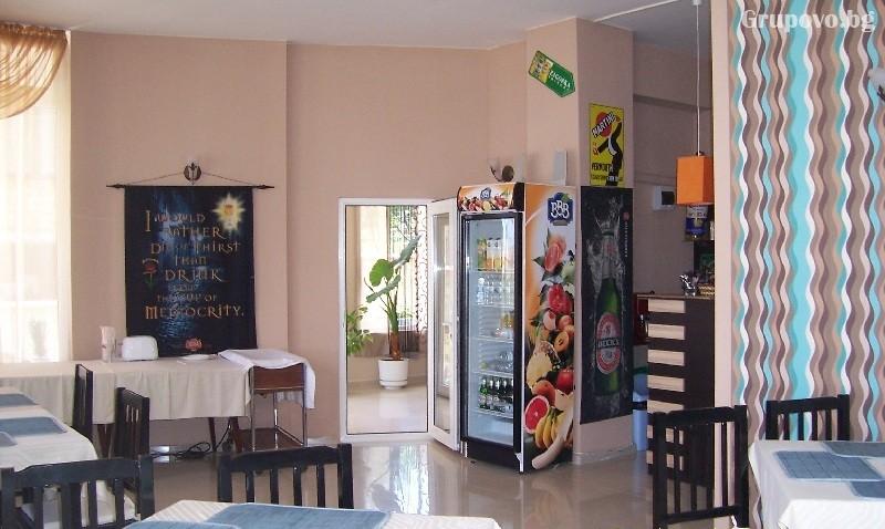 Хотел Акрис, Обзор, снимка 4