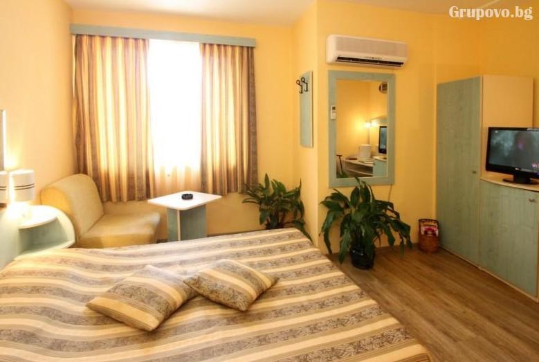 Хотел Колор, Варна, снимка 2