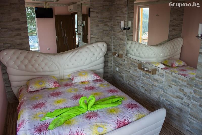 Почивка на язовир Доспат! Нощувка със закуска и вечеря на човек в апартамент с джакузи от хотел Сафи., снимка 11