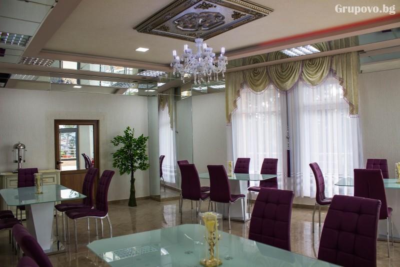 Почивка на язовир Доспат! Нощувка със закуска и вечеря на човек в апартамент с джакузи от хотел Сафи., снимка 10