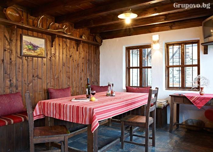 Нощувка със закуска на човек в Къщата с Лозницата, Жеравна, снимка 6
